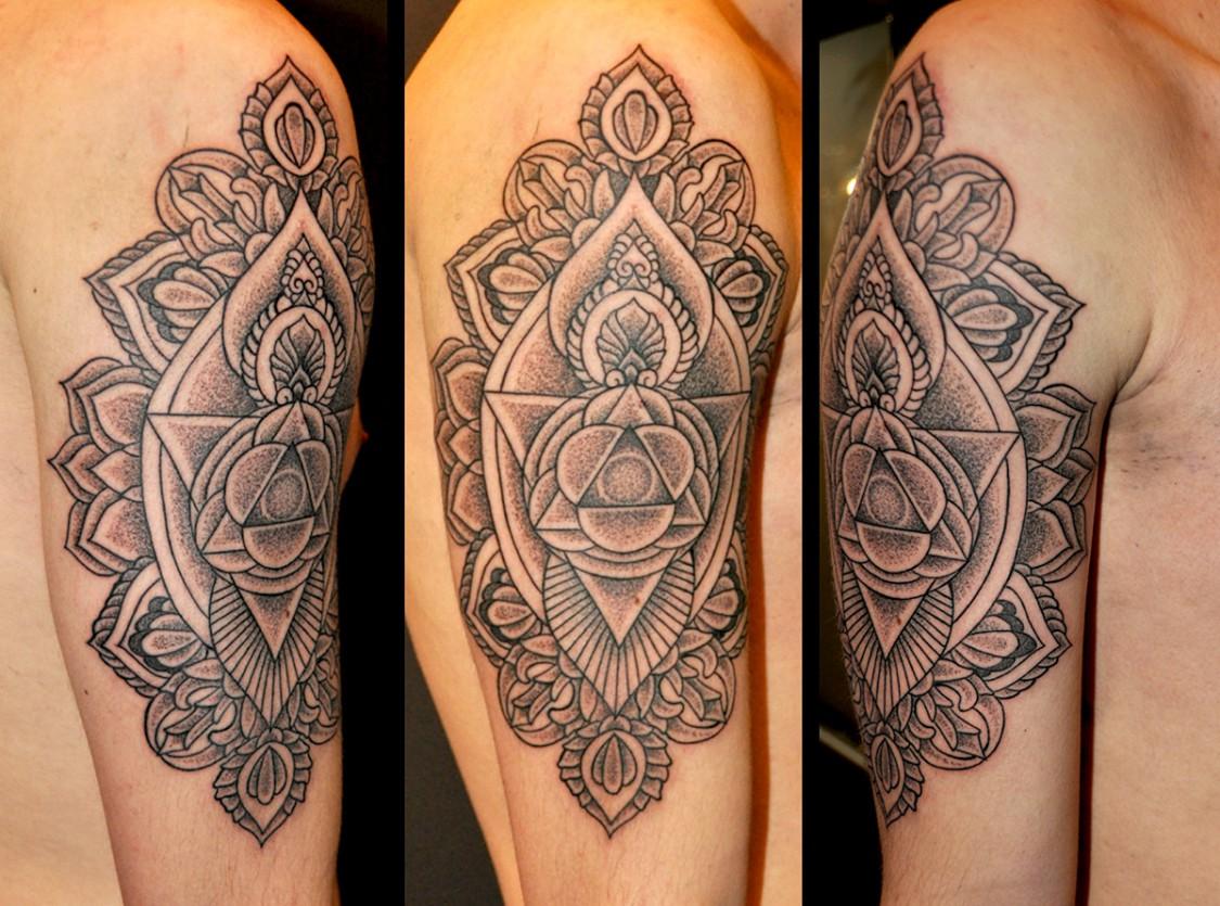 Tattoo Schulter